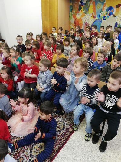 Дядо Коледа пристига в детската градина - ДГ №108 Детско царство - София