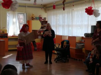 Баба Марта днес пристигна и с мартеничики ни закичи - филиал - ДГ №108 Детско царство - София